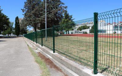 Postavljena zaštitna ograda atletske staze na Višnjiku
